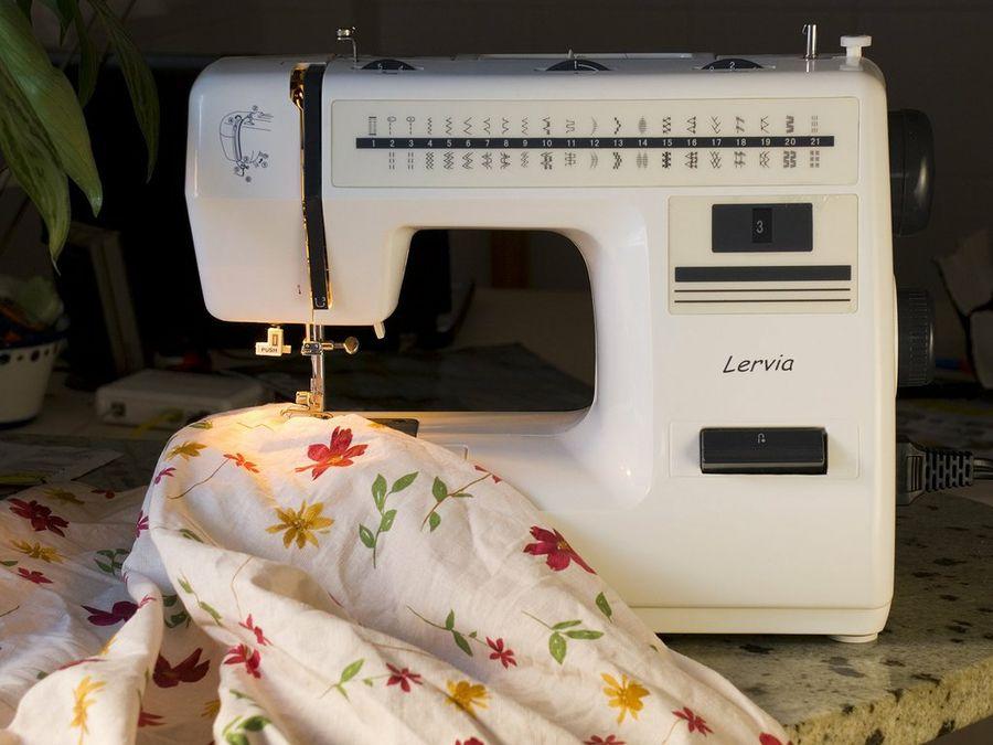maquina coser lervia