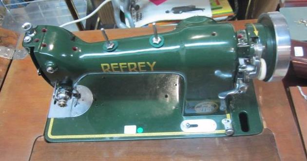 maquina coser refrey con mueble